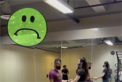 教室有「詭」!男童蹲坐牆上角落「凝視」舞者…全網騷動引出真相!