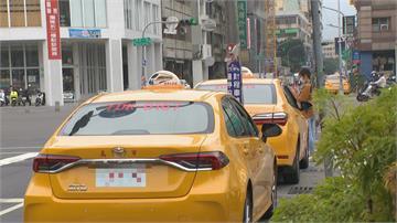計程車運將車上滑平板起火同業:電路老舊氧化釀火可能性高