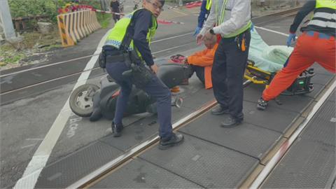 驚險!老翁騎車突昏倒 自摔倒臥軌道 自強號機警司機員急煞 100米前緊急停車