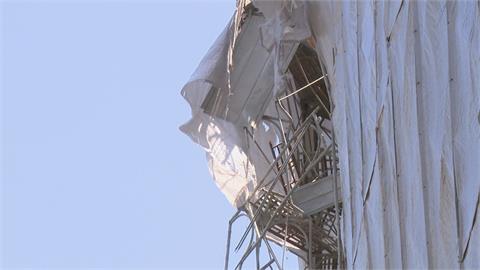 驚!六公尺橫樑從六樓墜落地面 人車稀少未造成傷亡