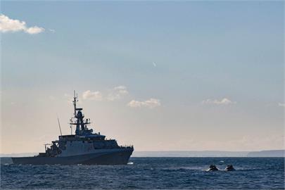 英國2艘軍艦常態部署印太地區 美海軍推文支持