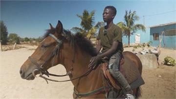 塞內加爾19歲天才騎師 夢想站上國際舞台