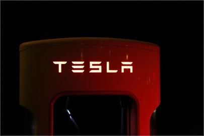 三星獲特斯拉新自駕晶片訂單 專家:台積電仍有機會
