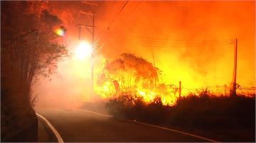 台中大肚山再傳火燒山 火勢猛烈延燒逾3小時