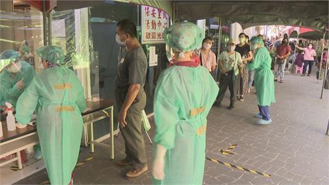 樹林板橋2市場有確診休市3天 快篩隊進駐里民活動中心
