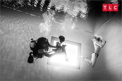 史上最強戶外實境節目!Janet化身最美「水下孕媽咪」 帶觀眾瘋台灣自潛