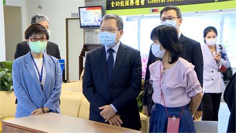 報稅季開跑!財政部長視察台北國稅局 手機報稅踴躍達3成5