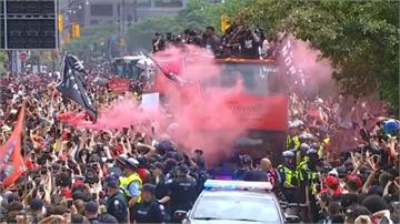多倫多暴龍百萬人遊行慶奪冠 發生槍擊意外兩人重傷