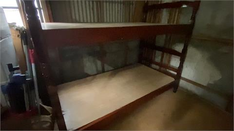你想住嗎?台中「雅床」月租1350元含水電 網驚:像住倉庫裡