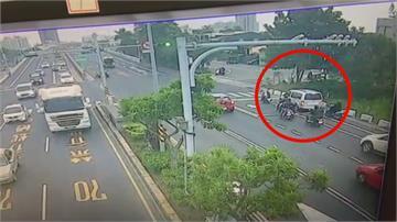 駕駛撞騎士肇逃 4名熱心民眾騎車「圍堵」