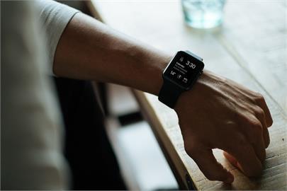 蘋果響應國際瑜伽日 連3年推Apple Watch限定獎章
