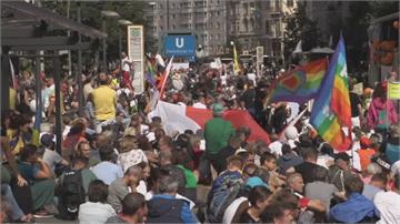 反對政府防疫禁令 歐洲爆發抗議潮