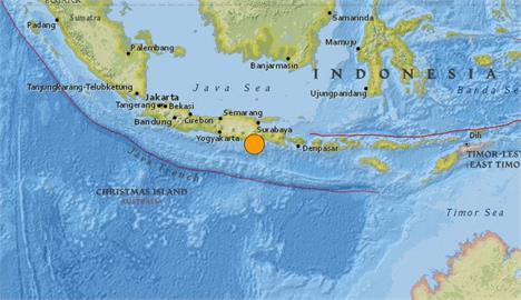 快新聞/印尼爪哇南方海域規模6.0強震 無海嘯警報