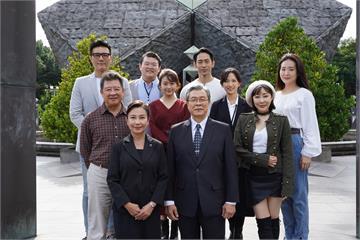 快新聞/《國際橋牌社2》開鏡團拜 楊烈憶李前總統:這次拍攝使命感更加濃烈