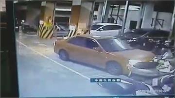 男子不滿女友分手 開車衝撞!女友家汽機車受損 莽男被送辦