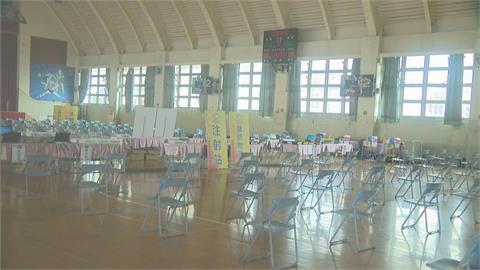 高中生將打BNT 校方備戰體育館變身施打站