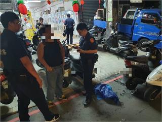 快新聞/不滿前同事告知父親「被解雇」 新北男持刀砍人遭警方逮捕