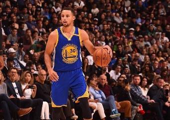 NBA/射爆雷霆!柯瑞3節11顆三分狂飆49分 捍衛得分王寶座