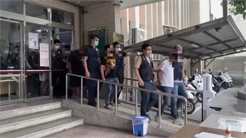 「慶賀」分局長榮升! 請白獅團跳陣頭 警鐵腕掃黑共逮21人3人收押