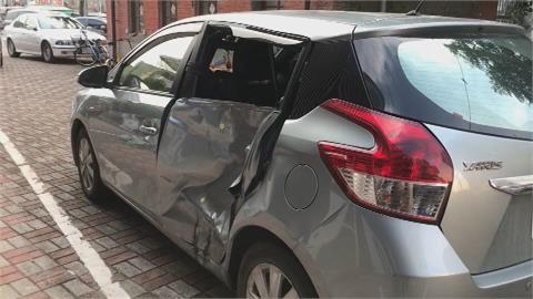 警靠車窗碎玻璃 成功逮肇事車主到案