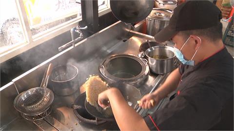「這道菜」影片爆紅  近千萬人次點閱!一翻甩 米飯空中飛揚超吸睛