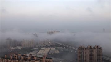 水氣凝結滯留 台中南區現雲海奇景