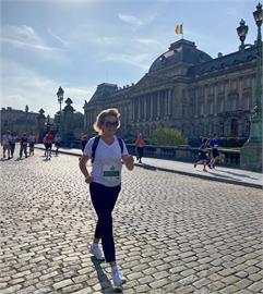 布魯塞爾路跑賽登場 比利時王后便裝現身成亮點