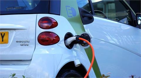 中國掌握電池原料 礦商點出歐美電動車企危機
