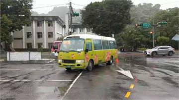 北市公車擦撞機車 騎士倒地無生命跡象