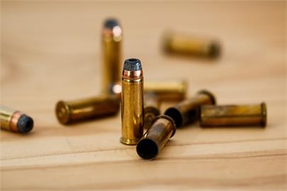 西門町停車場驚見33顆子彈 市警局長:積極清查