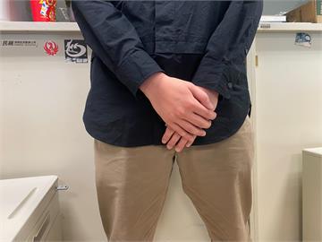 23歲男日喝4杯手搖「下體疼痛」 醫:白色東西一直流、發霉了