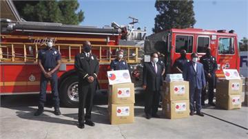 台灣能幫忙! 3.5萬片口罩捐給洛城消防局
