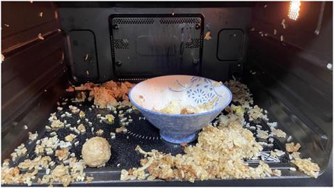 微波爐「加熱肉燥飯」結果慘不忍睹 過來人指「1樣菜」是禍首