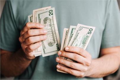 失業男抱200萬進場!每月「穩定獲利5萬」樂喊:不工作了