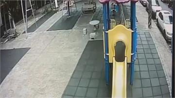 推鞦韆害2歲童摔落 婦人:誤會一場