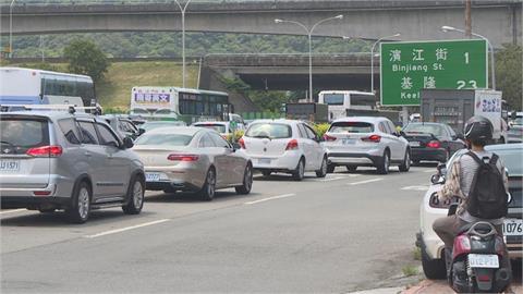 快新聞/連假車流量比去年少63% 高公局:請民眾減少非必要跨區移動