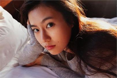 日本女星「登大人」演繹傳奇豔星 加碼再推首本「成熟風」寫真集!
