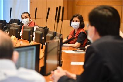 快新聞/侯友宜:專責病房不夠時分階段徵用各院病房、設社區篩檢站