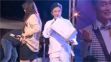 天王吳宗憲夜市開唱 宣傳國產通訊軟體APP