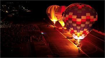 台東熱氣球首度跨海綠島  逾8千遊客共襄盛舉