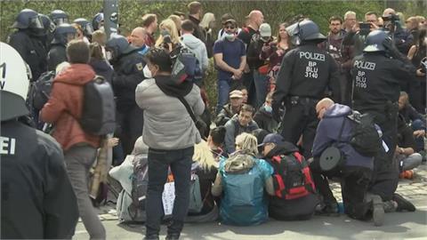 全國宵禁、店家營業措施採一致標準 德國柏林民眾示威反對與警察爆衝突