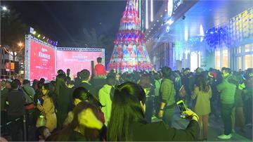 打造「寶石光之樹」!購物中心舉辦聖誕點燈