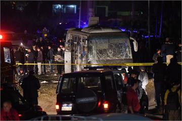 埃及金字塔附近傳爆炸 越南團巴士遇襲4死12傷