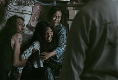 《薩滿》票房破泰國恐怖片在台影史新高紀錄 打敗《淒厲人妻》登頂冠軍!