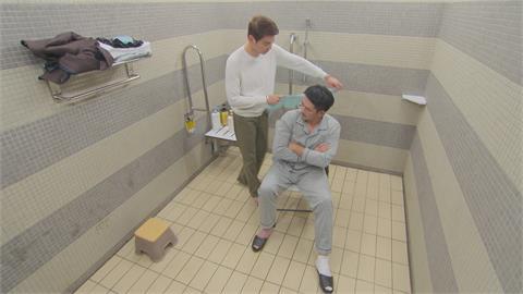 民視八點檔上演BL劇 兩大型男竟然一起洗澡?