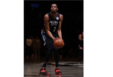 NBA/杜蘭特打滿全場奪49分大三元 籃網逆轉公鹿聽牌