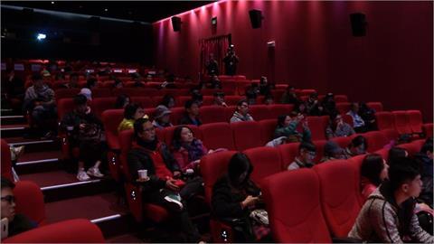 快新聞/電影院、展覽館、劇組拍攝有條件放寬! 電影院建議購買預售票