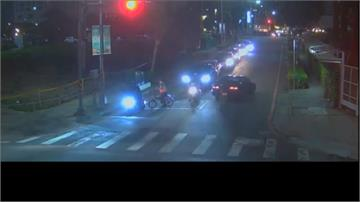 偷車賊8公里街頭狂飆 爆胎撞5車照樣開