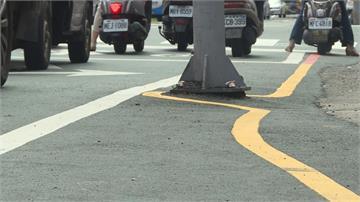台南馬路黃線「超活潑」挨批 工務局:因應路寬