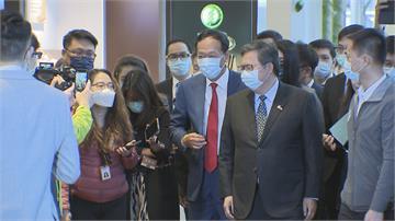 出席桃園航空城論壇郭台銘讚鄭文燦是「好官」